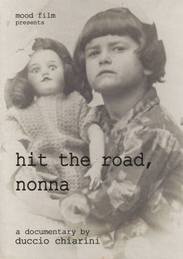 """Постер к фильму """"Hit the road, бабушка"""" /Hit the Road, Nonna/ (2011)"""