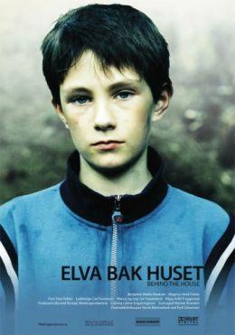 """Постер к фильму """"На задворках"""" /Elva bak huset/ (2007)"""