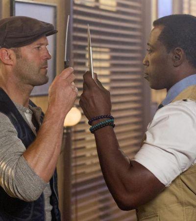 Стейтэм и Снайпс меряются… ножами!
