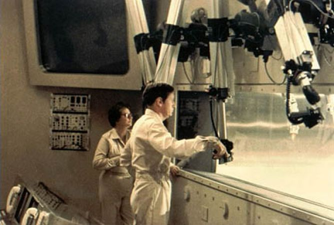 an analysis of andromeda strain a movie by robert wise The andromeda strain directed by: robert wise starring: kate reid, david wayne, james olson, arthur hill genres: science fiction, thriller rated the #80 best film of 1971, and #3694 in the greatest all-time movies (according to rym users.