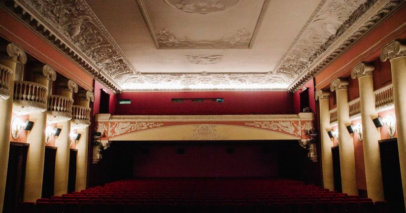Владельцы кинотеатров потребовали у властей открыть залы в Санкт-Петербурге
