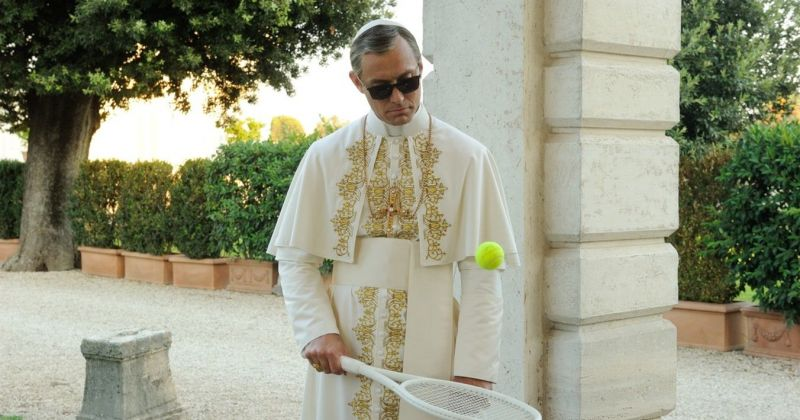 Паоло Соррентино рассказал о безумной идее для приквела «Молодого Папы»