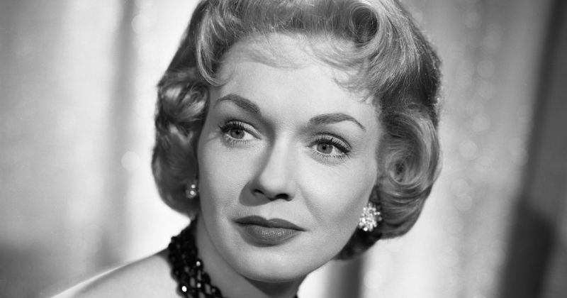 Актриса из «Денниса-мучителя» Глория Генри умерла на следующий день после празднования 98-летия