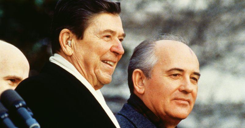Сценарист «Смерти Сталина» поработает над фильмом о встрече Горбачева и Рейгана
