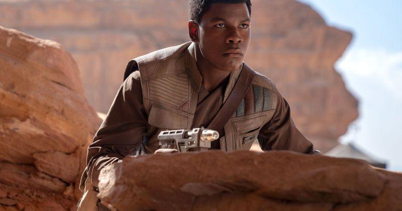 Джон Бойега заявил, что разочарован участием в «Звездных войнах» из-за расизма