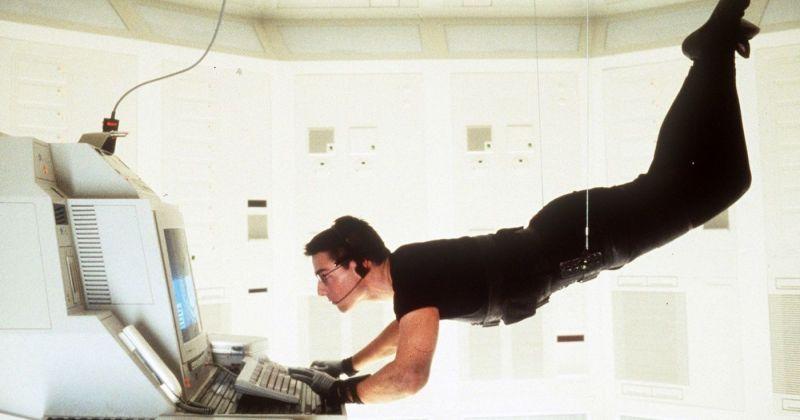 Том Круз четыре раза спрыгнул с парашютом ради съёмок сцены «Миссии: невыполнима»