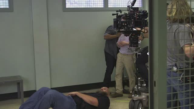 Рассказ служанки 2 сезон 1314 серия смотреть онлайн на